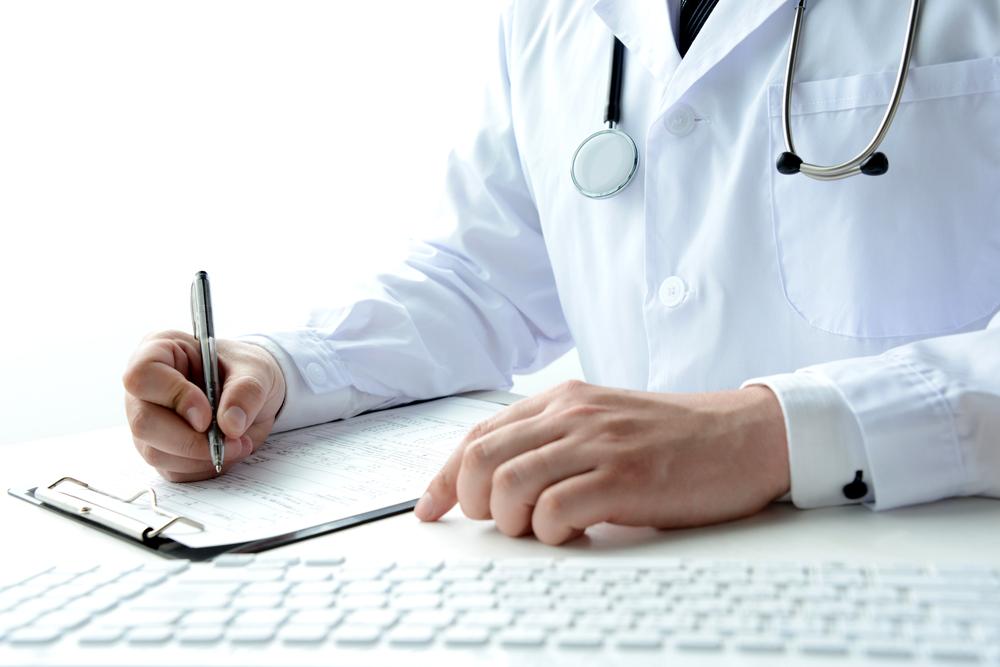 就活で健康診断書を求められたけれど…。どう提出する?何を見られる?のイメージ